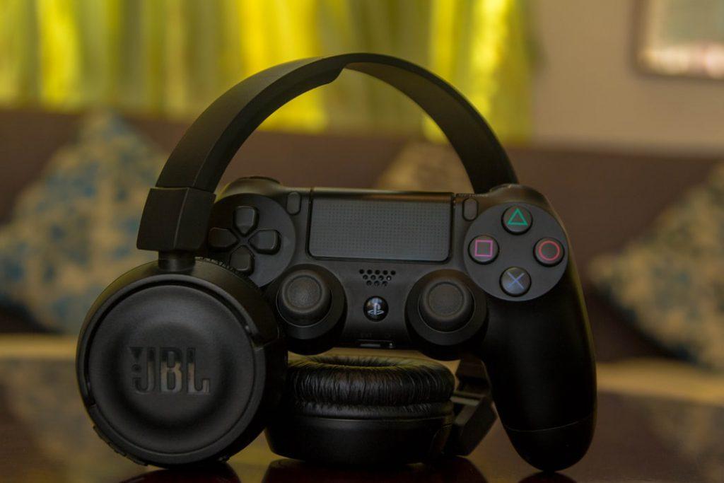 wireless gaming headset 1